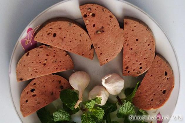 Giò bò đậm đà, mang hương vị đặc trưng của mảnh đất xứ Quảng