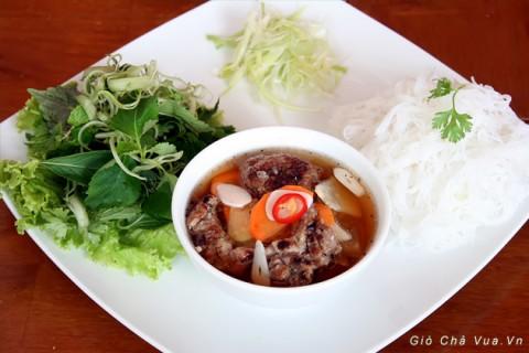 Bún chả là món ăn ngon ở Hà Nội